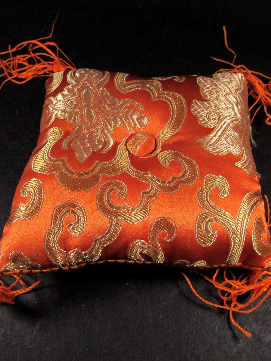 "4"" brocade square singing bowl cushion - SBC140"