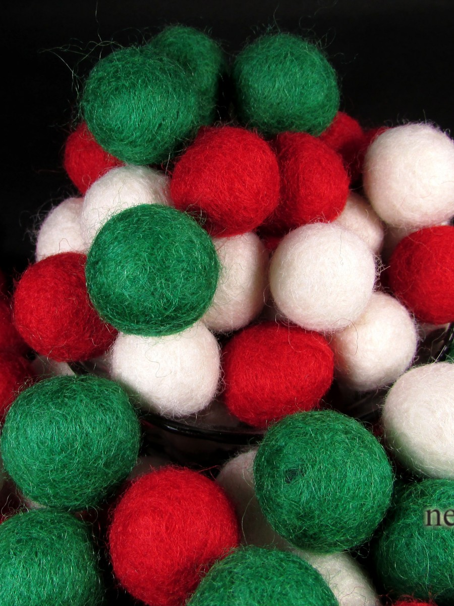 Christmas Decoration Felt Balls Pom Pom 2cm Wool DIY Garland Beads Nepal - F119