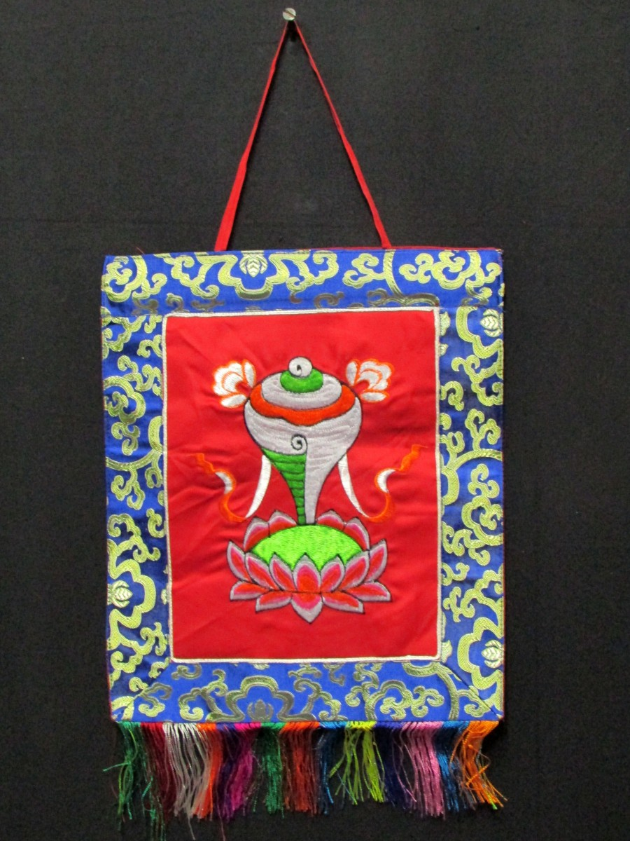Conch Embroidery Wall Hanging Thanka - Th143