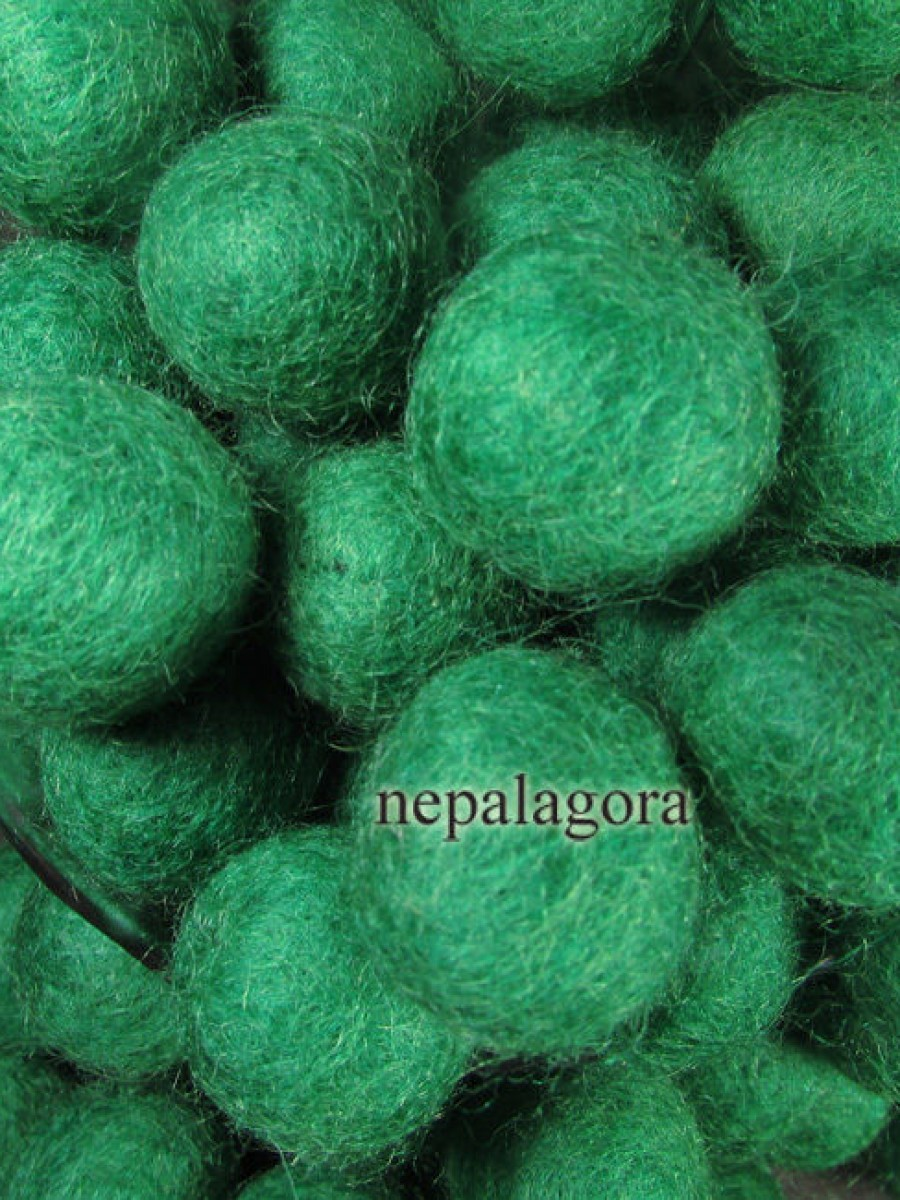 Felt ball 2cm Dark Green Bead - F90