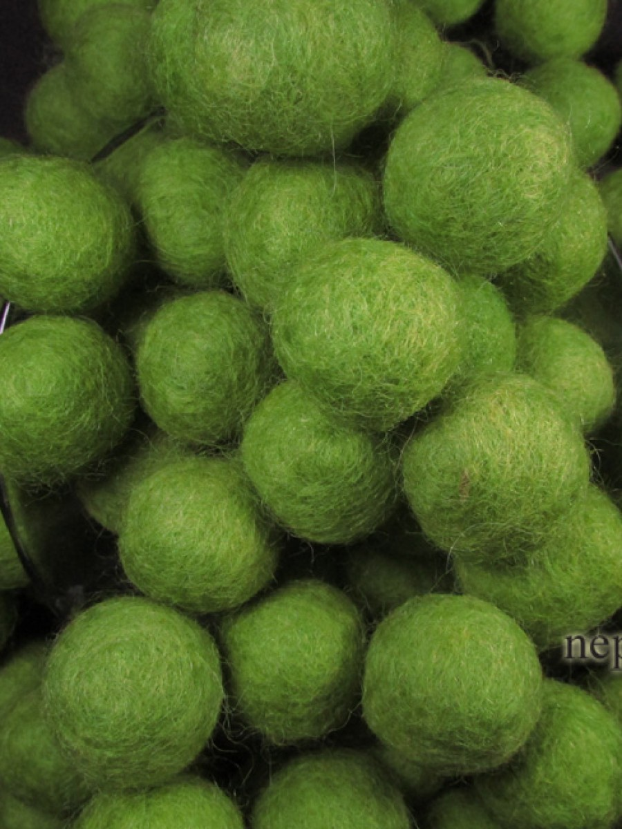 Felt ball wool 2cm Green DIY Garland Nepal - F85