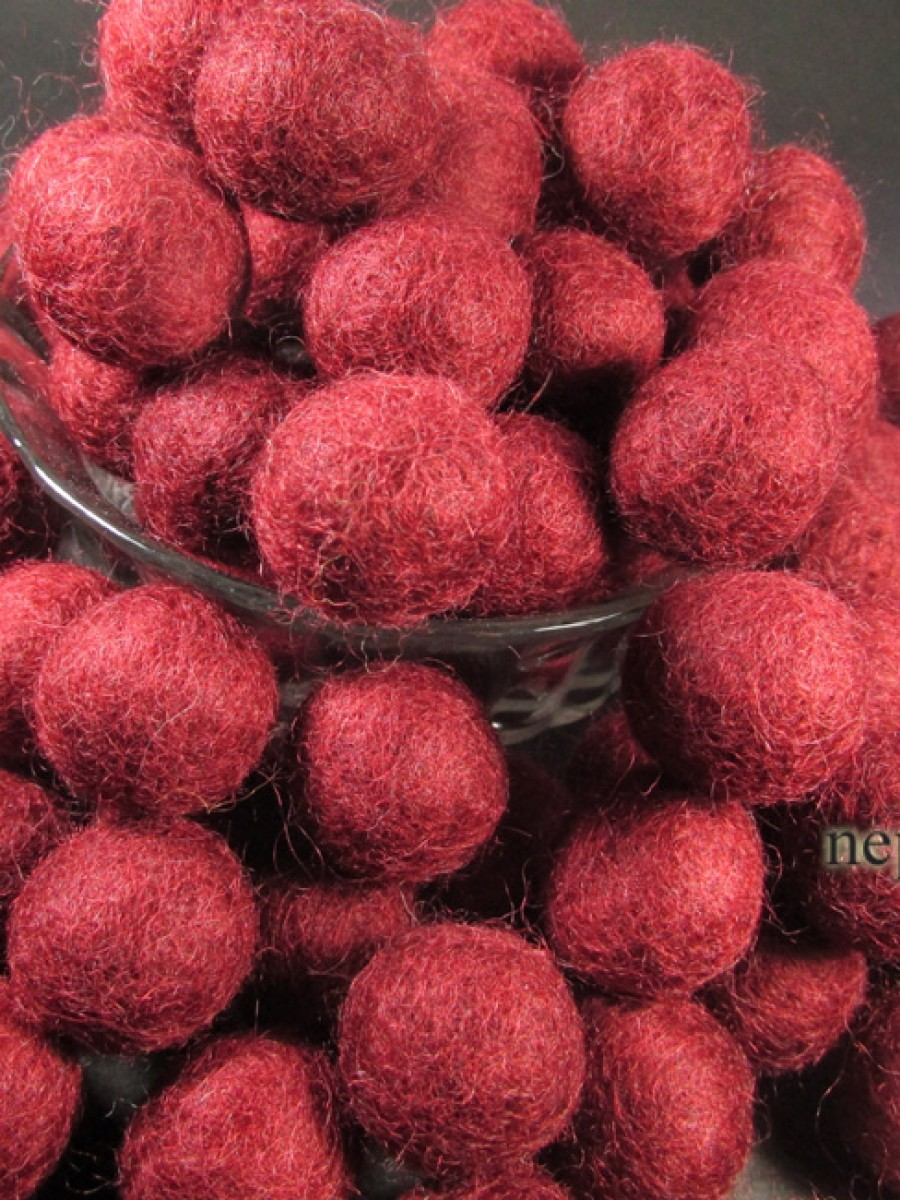 Felt ball wool 2cm/20mm Blood Red craft - F94