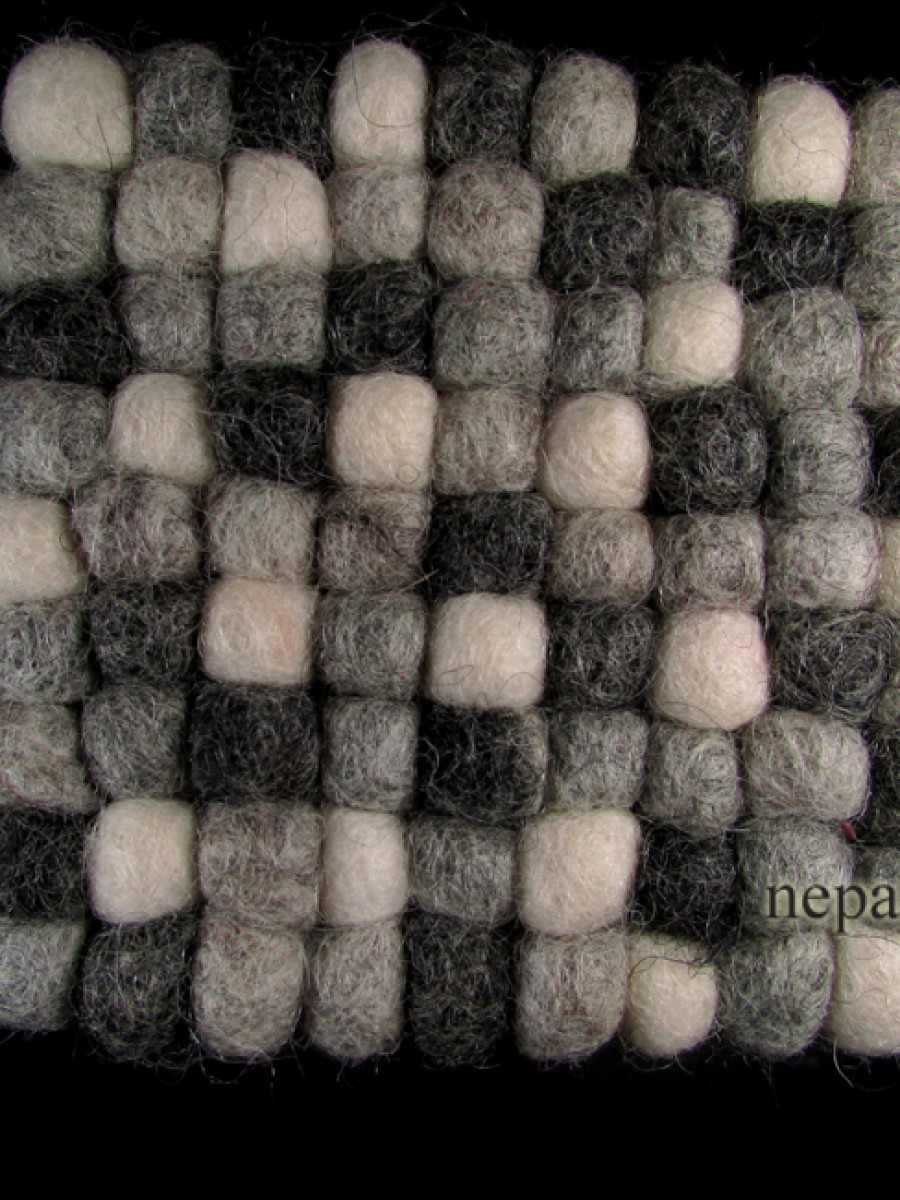 Felt ball wool square tea coaster mat Nepal - F62