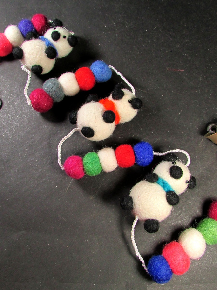Felt pom pom Ball Panda bell key ring wall door tree hanging string Garland - F155