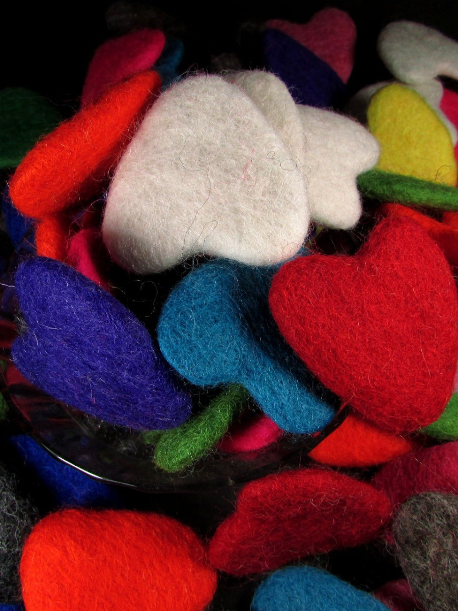 Felt wool 5.5 cm Hearts Craft garland - F120