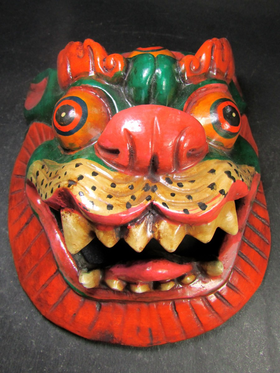 Hand Crafted Wooden Lion Carved Mask - M462