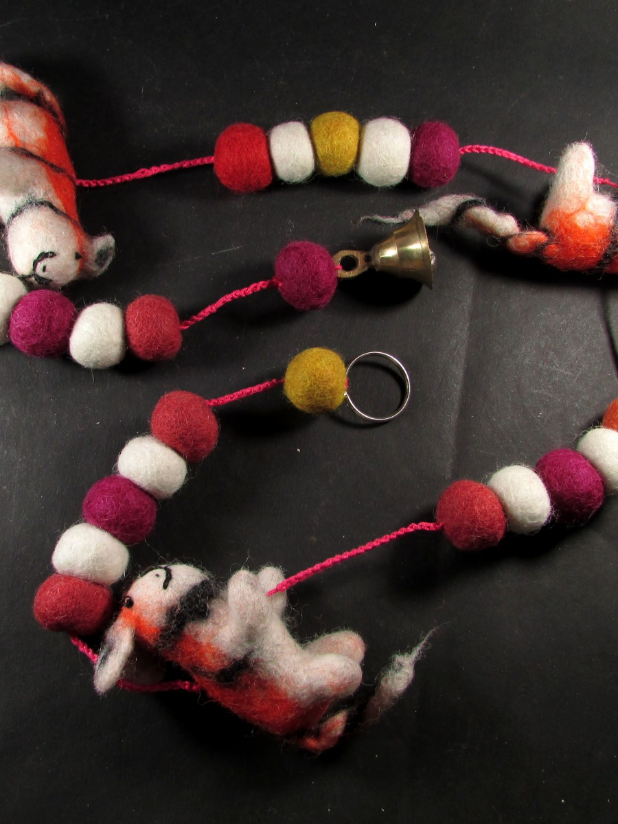 Handmade wool Felt Animal hanging string - F41