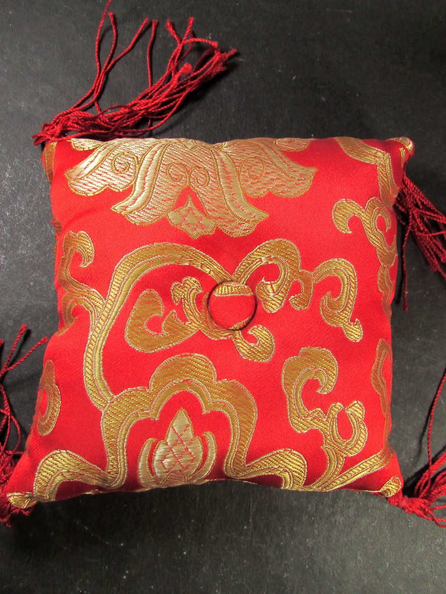 Silk square 11 cm singing bowl cushion - SBC274