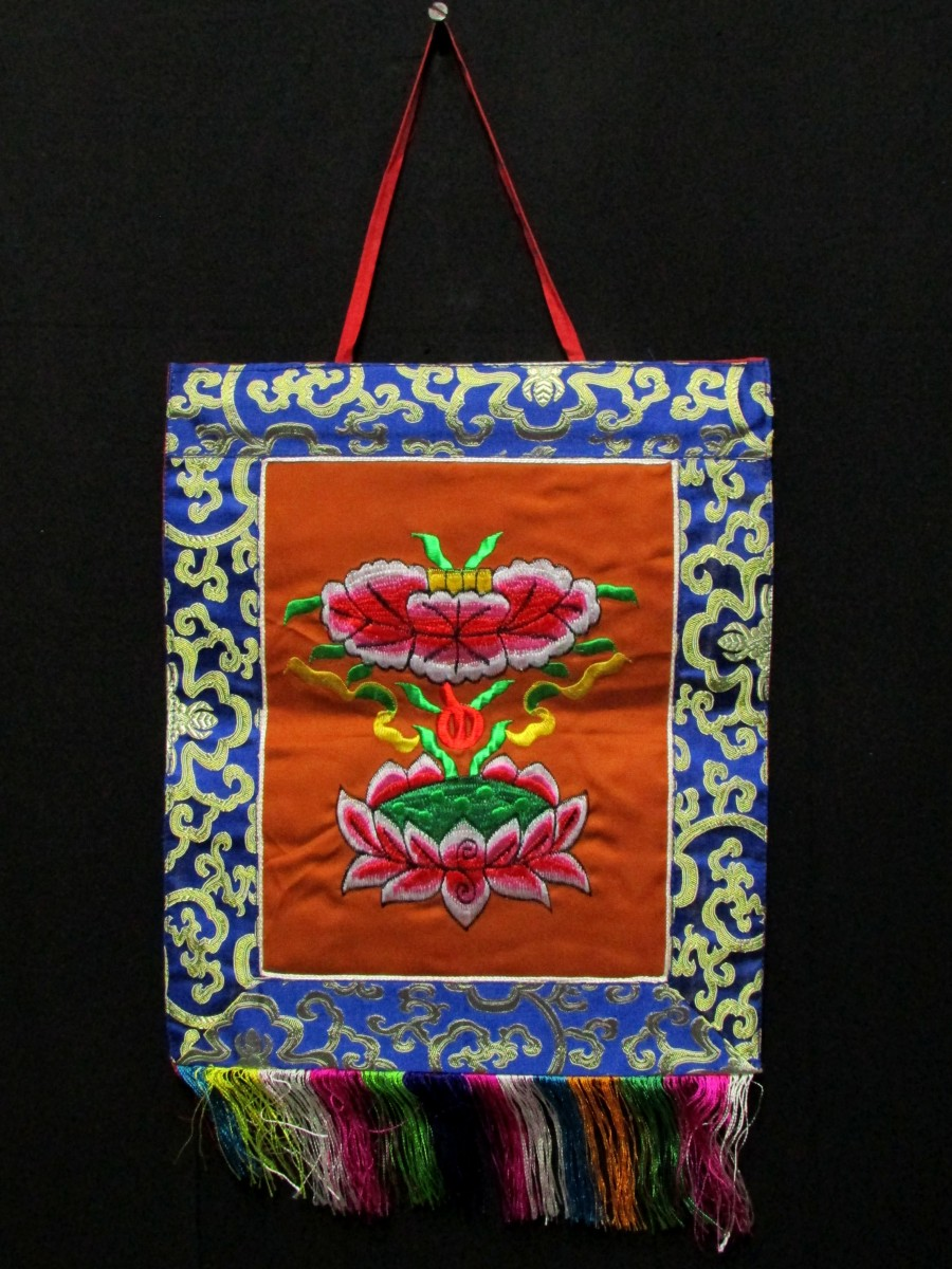 Tibetan Auspicious Sign Lotus Embroidered Wall Hanging Thangka Thanka Nepal - Th168