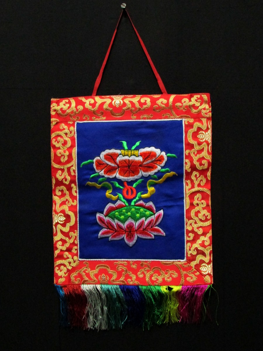Tibetan Auspicious Sign Lotus Embroidered Wall Hanging Thangka Thanka Nepal - Th171